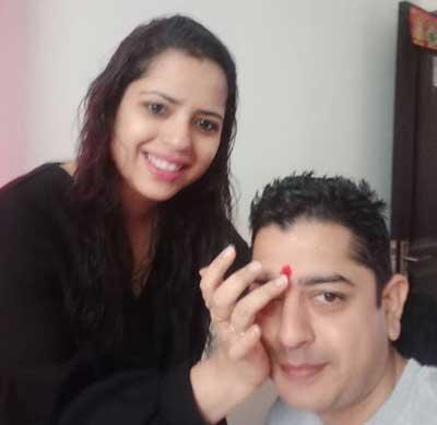 Sachin-Arora-with-sister