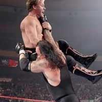 The Undertaker chokeslam